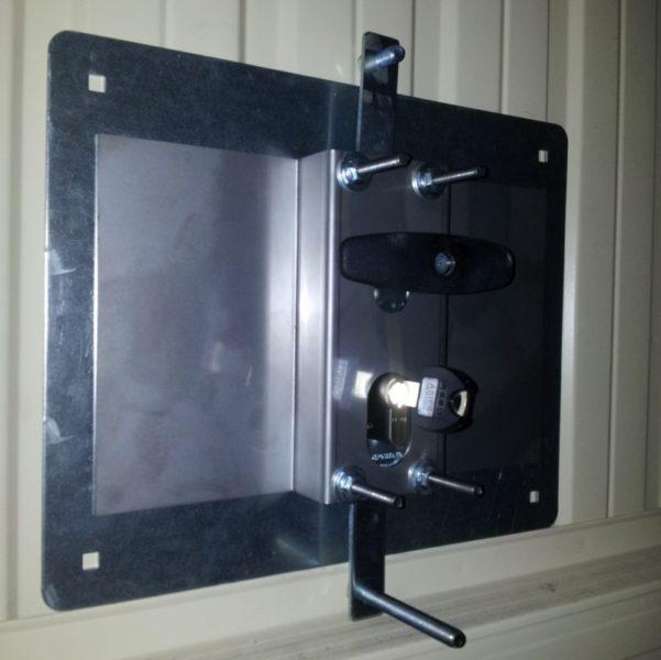 installazione-protezioni-antiefffrazione-porte-basculanti-garage